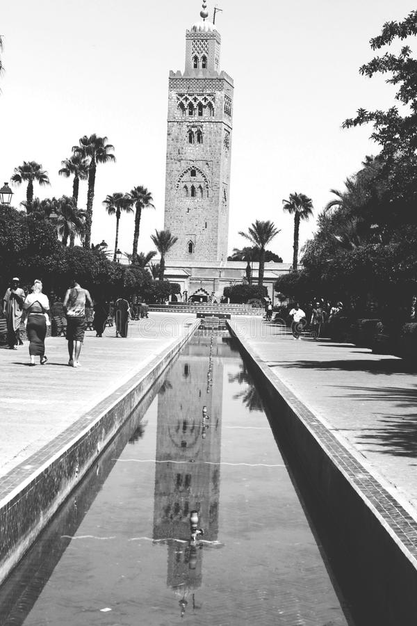 La gran mezquita de Koutoubia en ciudad fotografía de archivo