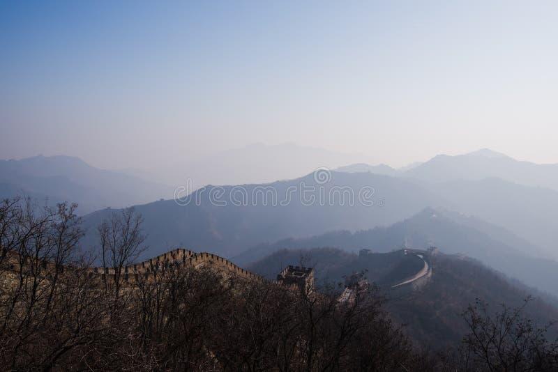 La Gran Muralla de China con un día soleado hermoso imagen de archivo