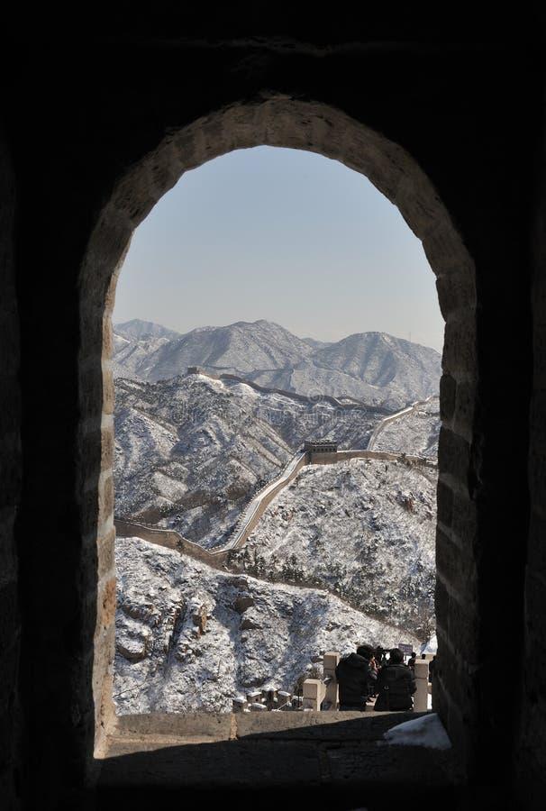 La Gran Muralla en nieve del blanco puro fotografía de archivo