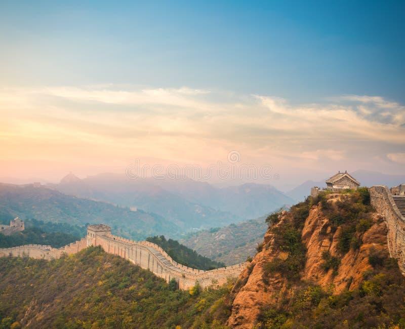 La Gran Muralla en puesta del sol fotos de archivo libres de regalías