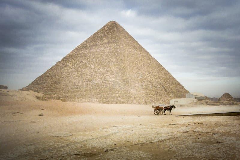La gran pirámide de Khufu en Giza fotos de archivo libres de regalías
