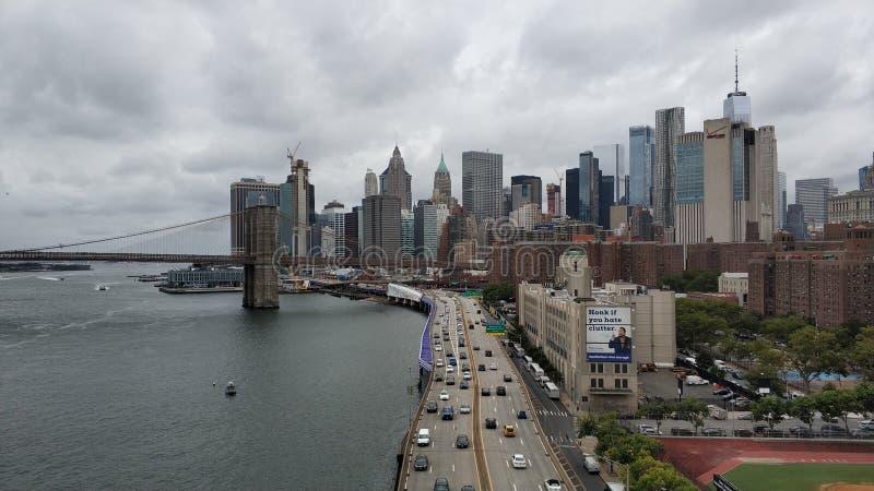La gran vista del puente de Manhattan y de Brooklyn foto de archivo libre de regalías