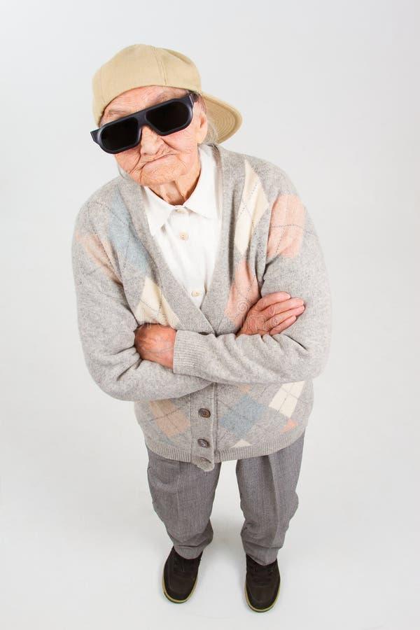 Download La Grand-maman Fraîche Représente Sa Droite Image stock - Image du chapeau, frais: 45371925