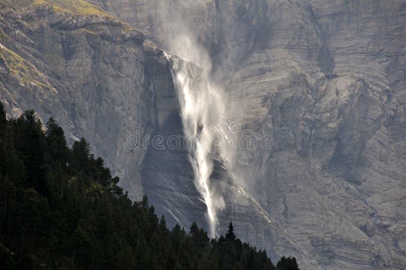 La grande cascade, Cirque de Gavarnie (Frances) image stock