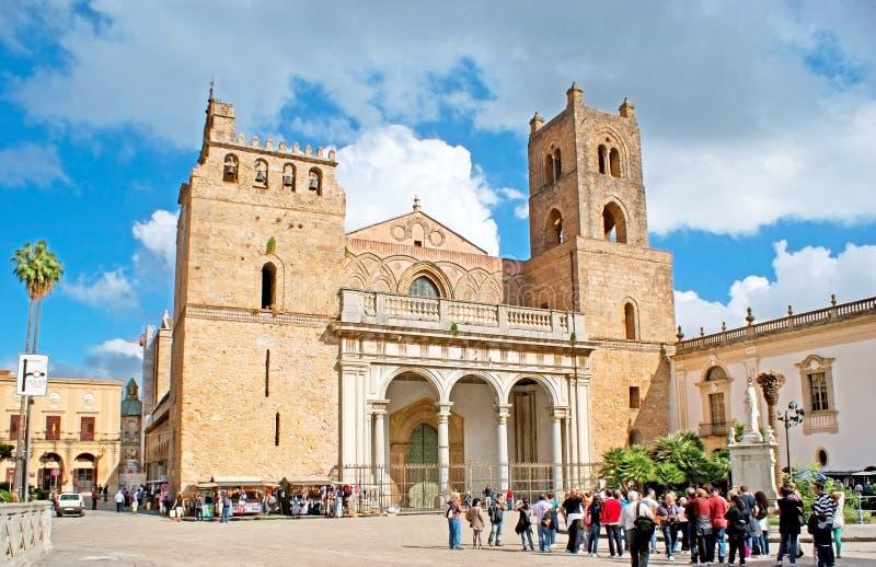 La grande cattedrale di Monreale fotografie stock libere da diritti