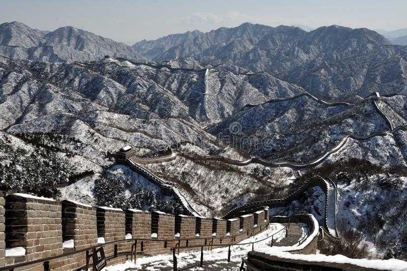 La grande muraglia nella neve di bianco di inverno fotografia stock