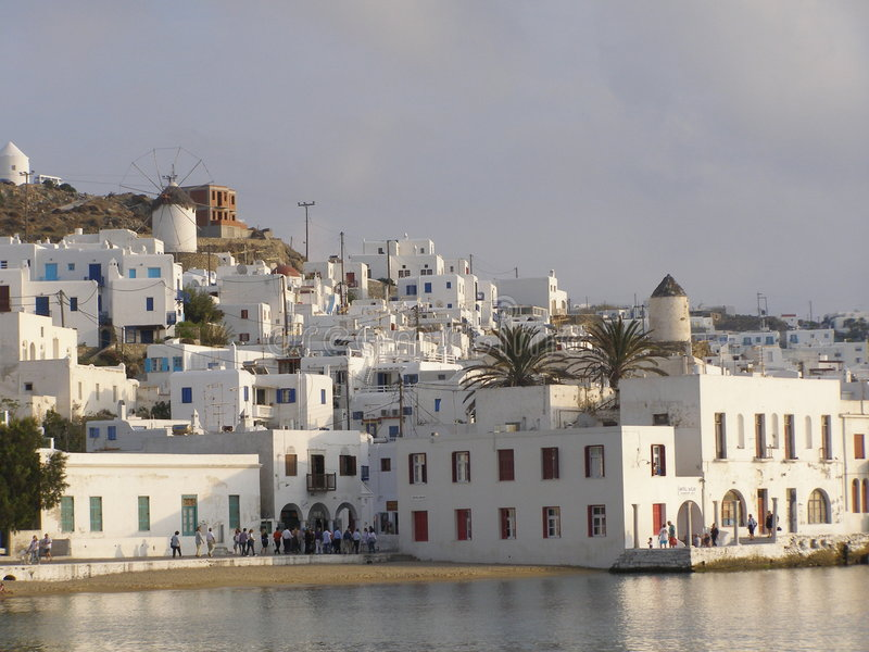 La Grecia - Mykonos al tramonto immagine stock