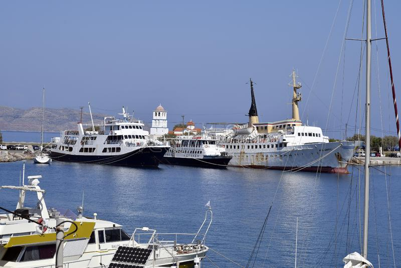 La Grecia, navi in porto nell'ovest di Creta vicino a Chania fotografie stock libere da diritti