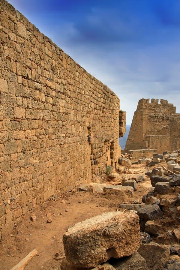 La Grecia, Rodi, Lindos Acropolis.Wall della città fotografie stock libere da diritti