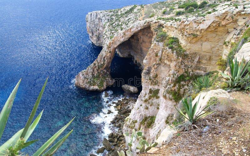 La grotte bleue en île de Malte image stock