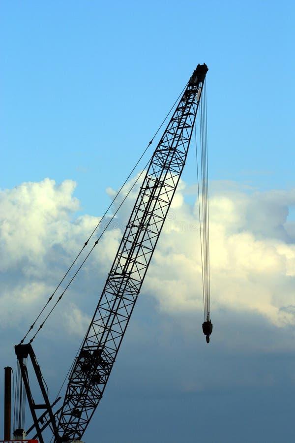 Download La grue image stock. Image du ciel, nuages, construction - 55491