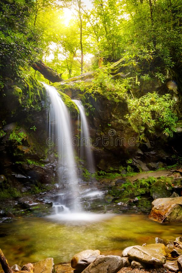 La gruta cae en parque nacional de la montaña ahumada fotografía de archivo libre de regalías
