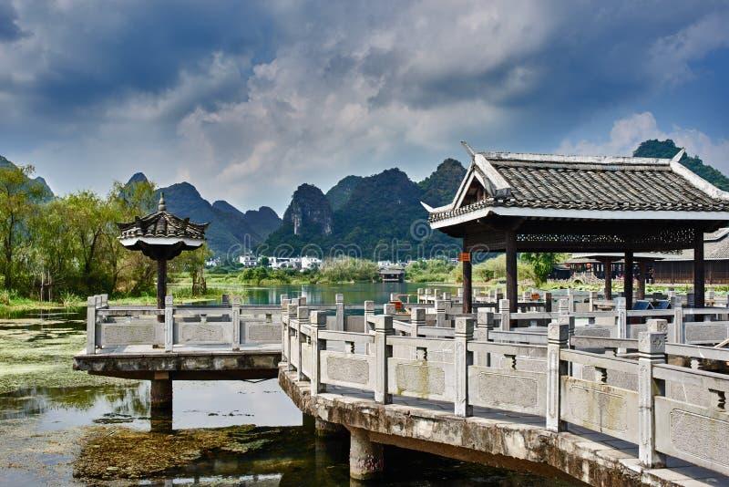 La Guilin Yangshuo il Guangxi Cina di Shangri fotografia stock