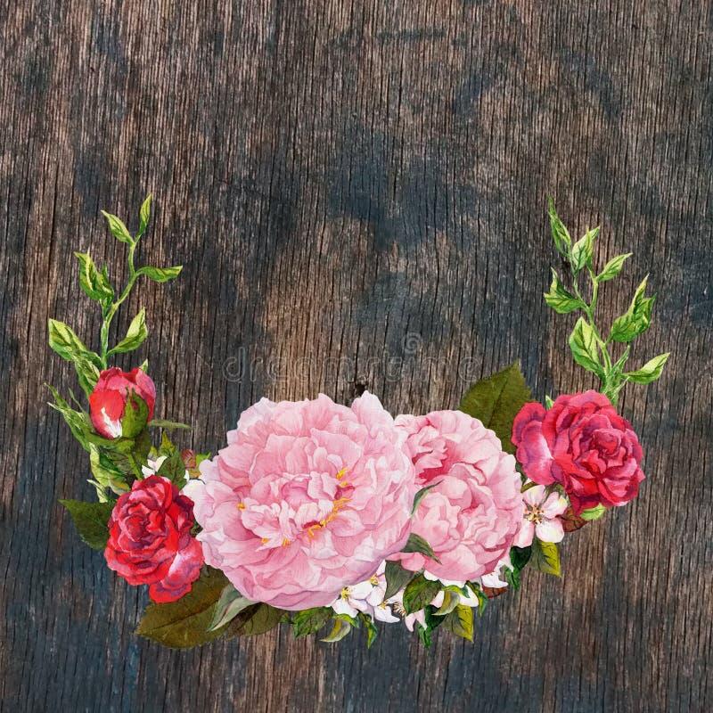 La guirnalda floral con la peonía rosada, las rosas rojas florece en la textura de madera watercolor fotografía de archivo libre de regalías
