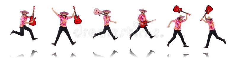 La guitarra que blande masculina mexicana aislada en blanco imagen de archivo
