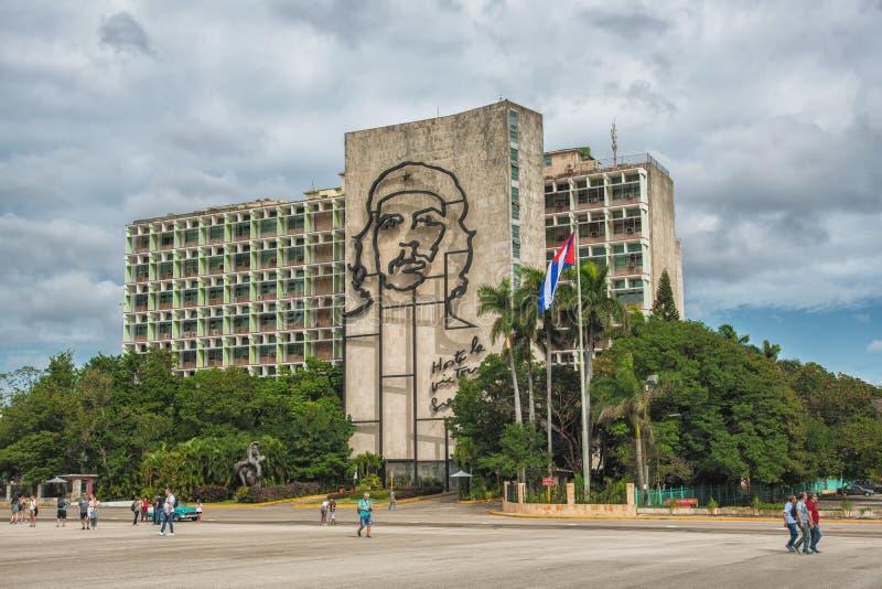 LA HABANA, CUBA - 17 DE FEBRERO DE 2018 - monumento de acero de Che Guevara, con el la Victoria Siempre Until de Hasta de la cita fotografía de archivo libre de regalías