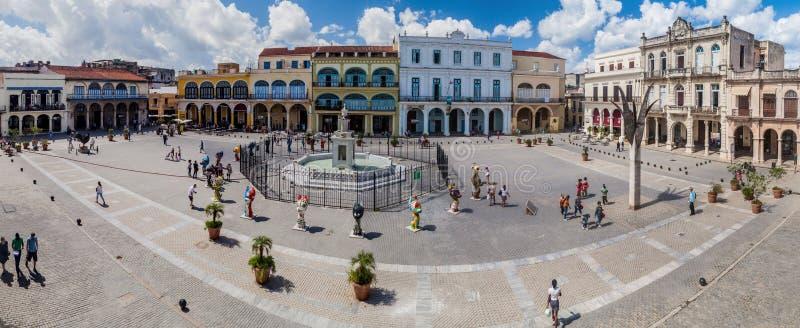 LA HABANA, CUBA - 23 DE FEBRERO DE 2016: Panorama del cuadrado de Vieja de la plaza en Havana Viej fotos de archivo