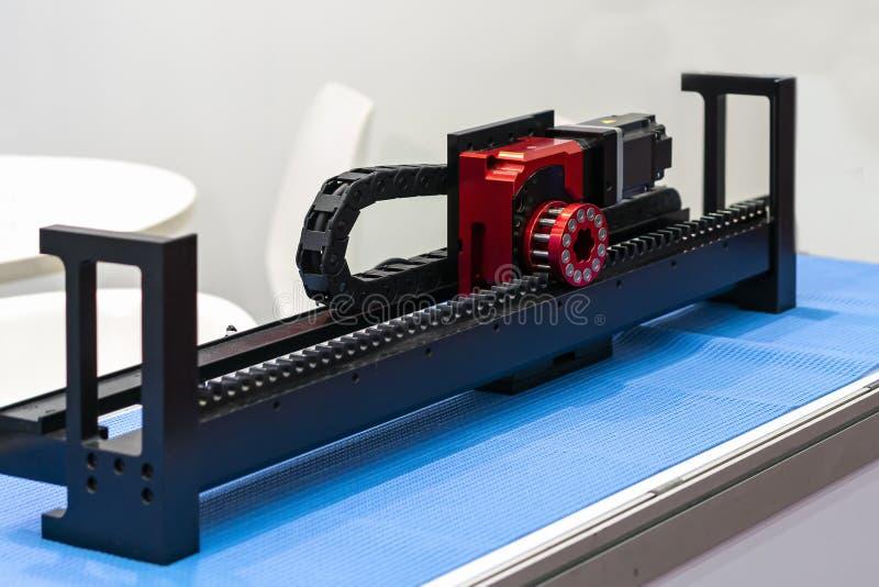 La haute précision et le moteur de progression électrique de qualité avec l'ensemble à grande vitesse de pignon de support est éq photos libres de droits
