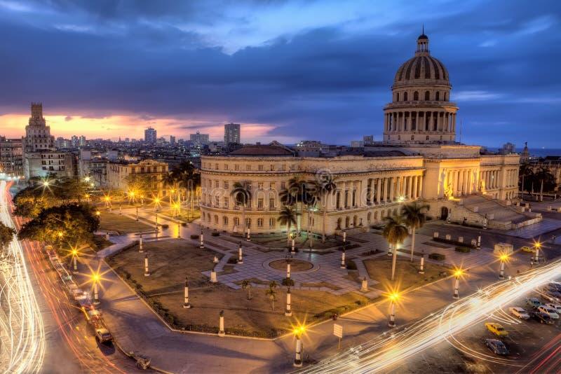 La Havane au Cuba par nuit image libre de droits