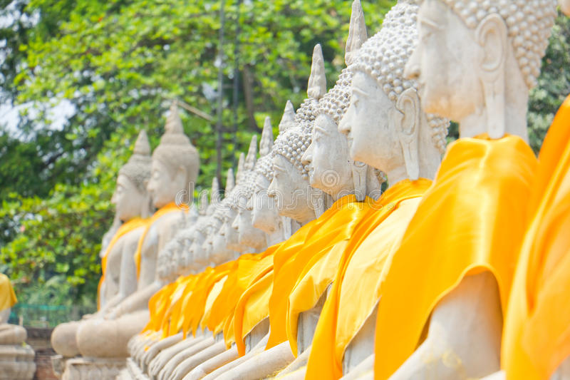 La herencia de la piedra de la estatua de Buda en Ayuthaya Tailandia foto de archivo libre de regalías