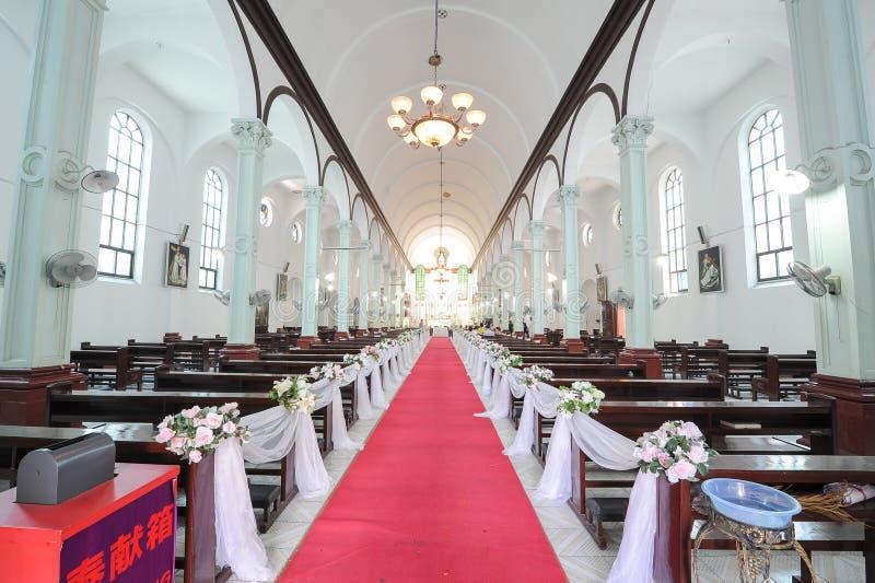 La iglesia católica Pasillo imagen de archivo libre de regalías