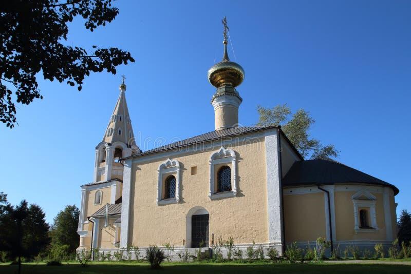 La iglesia de la decapitación de San Juan Bautista en Suzdal, Rusia imagenes de archivo