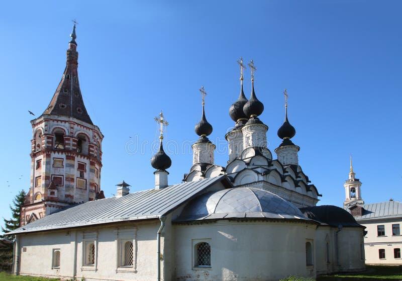 La iglesia de la iglesia del St Antipius y de Lazarevskaya en Suzdal, Rusia imágenes de archivo libres de regalías