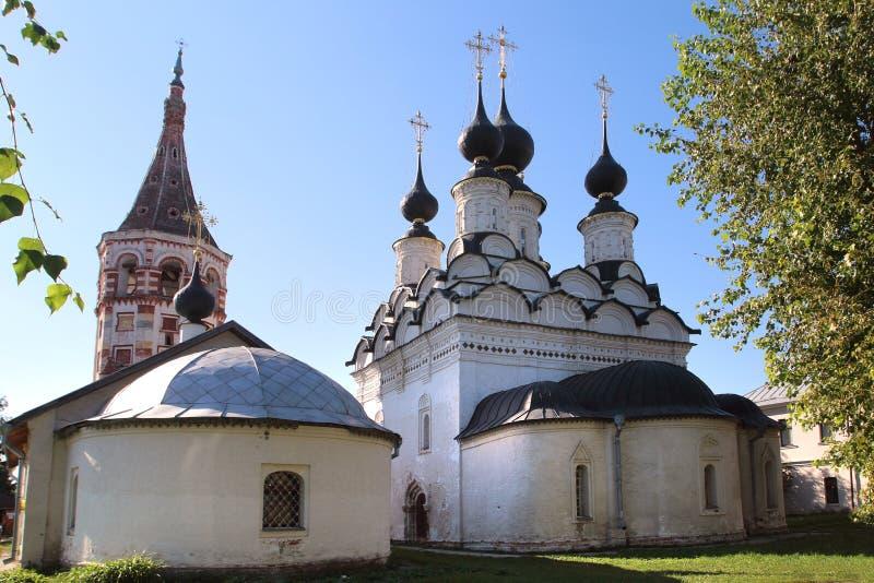 La iglesia de la iglesia del St Antipius y de Lazarevskaya en Suzdal, Rusia fotos de archivo