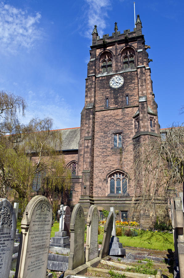 La iglesia de San Pedro en Woolton, Liverpool foto de archivo libre de regalías