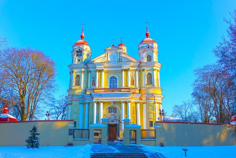 La iglesia de San Pedro y de San Pablo en Vilnius - capital de Lituania foto de archivo libre de regalías
