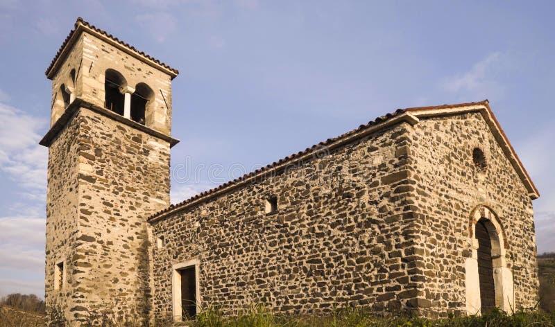 La iglesia de San Zeno, construida en 1100 en estilo Románico imagenes de archivo