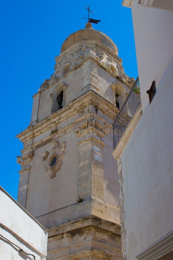 La iglesia de Santa Maria Assunta, catedral de Vieste imagenes de archivo