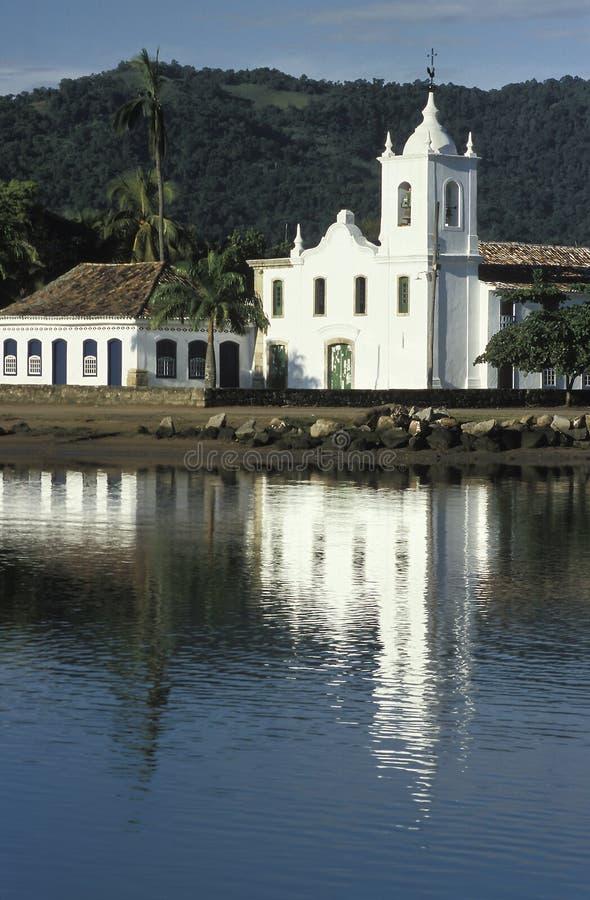 La iglesia de Santa Rita en Paraty, estado de Rio de Janeiro, sujetador imagenes de archivo