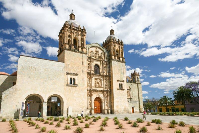 La iglesia de Santo Domingo de Guzman en Oaxaca, México foto de archivo