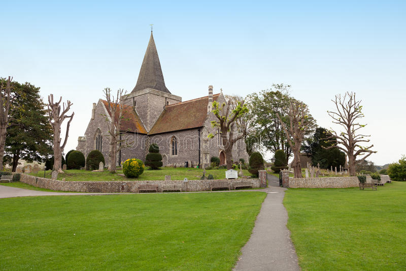 La iglesia de St Andrew en Alfriston, Inglaterra imagenes de archivo