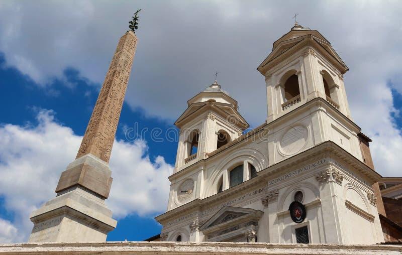 Download La Iglesia Del Dei Monti, Roma, Italia De Trinita Foto de archivo - Imagen de azul, alarma: 100526836
