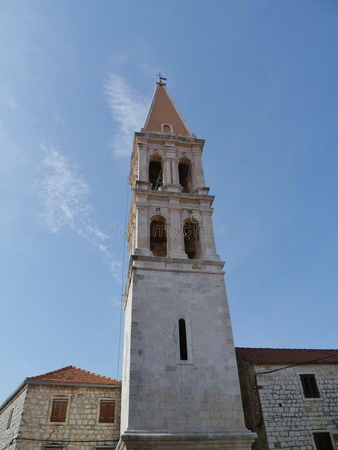 La iglesia en el graduado de Stari en Croacia imagenes de archivo