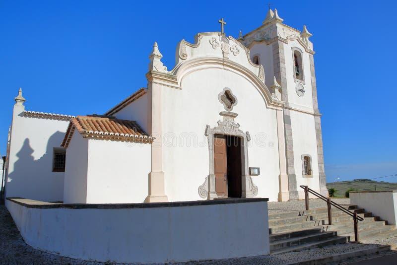 La iglesia Igreja Matriz de Vila do Bispo en Algarve foto de archivo