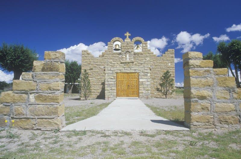 La iglesia o la misión sagrada del corazón en Quemado New México foto de archivo
