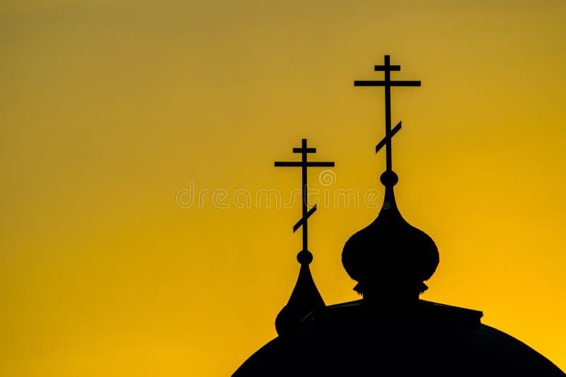 La iglesia ortodoxa en la región de Kaluga en Rusia imagen de archivo libre de regalías
