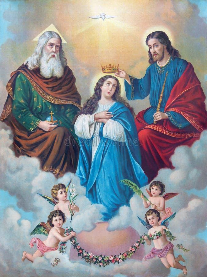 La imagen católica típica de la coronación de la Virgen María imprimió en Alemania del final de 19 centavo originalmente por el p fotos de archivo