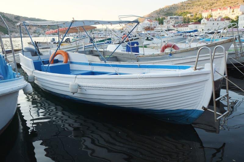 Download La Imagen Del Barco De Motor Foto de archivo - Imagen de barandilla, deportes: 41910504