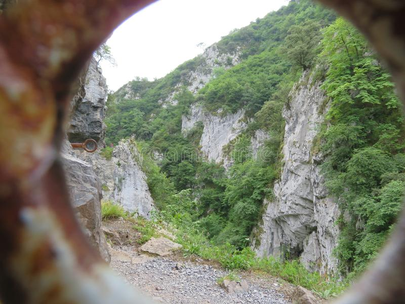 La imagen preciosa del paisaje de la alta montaña en España imagen de archivo