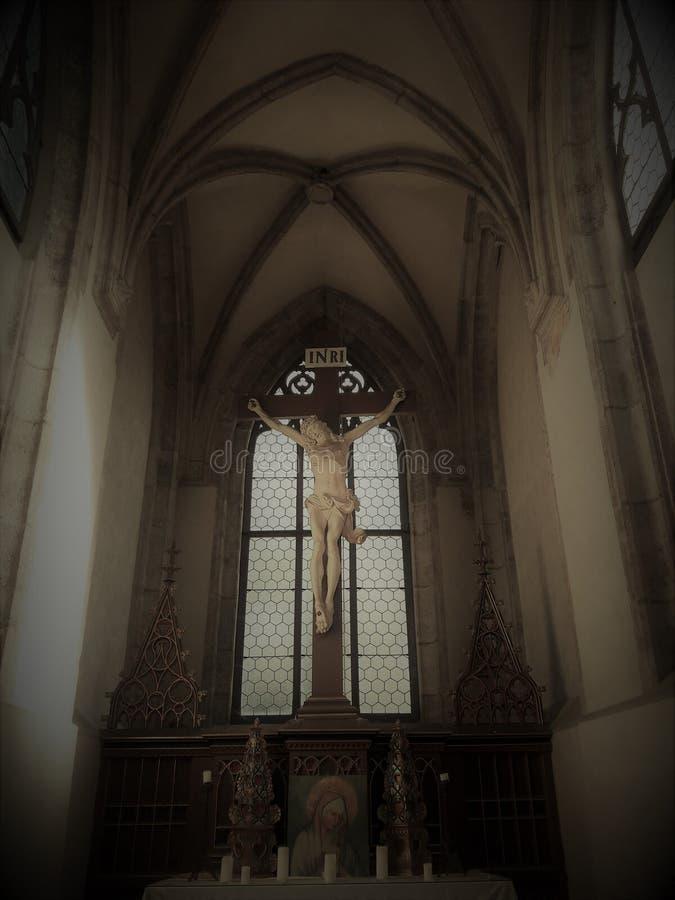 La inauguración de Cristo del museo de Praga renovó deathes góticos de la estatua de los tejedores del osario con la estatua del  imagen de archivo