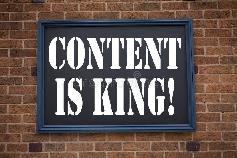 La inspiración conceptual del subtítulo del texto de la escritura de la mano que muestra el contenido del aviso es rey Concepto d fotos de archivo