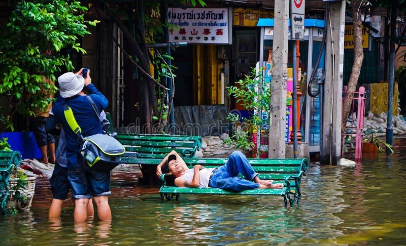 La inundación peor de Chinatown de Bangkok imagenes de archivo
