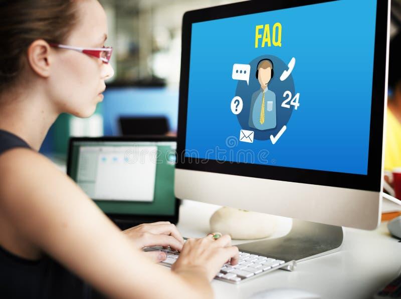 La investigación del FAQ pregunta concepto de la atención al cliente de la guía fotos de archivo