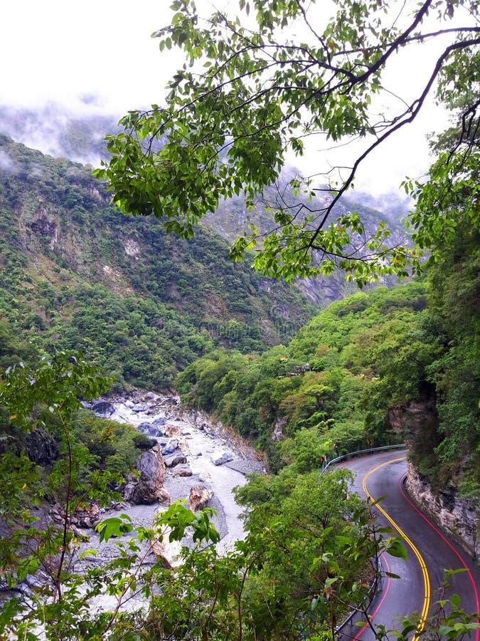 La isla de Formosa es la isla con el valle profundo y la alta montaña fotografía de archivo