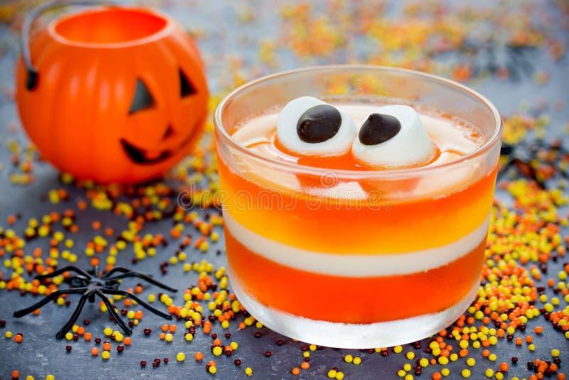 La jalea del maíz dulce con la melcocha observa - el reci de Halloween de la comida de la diversión imágenes de archivo libres de regalías