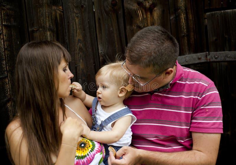 Famille à la ferme image stock